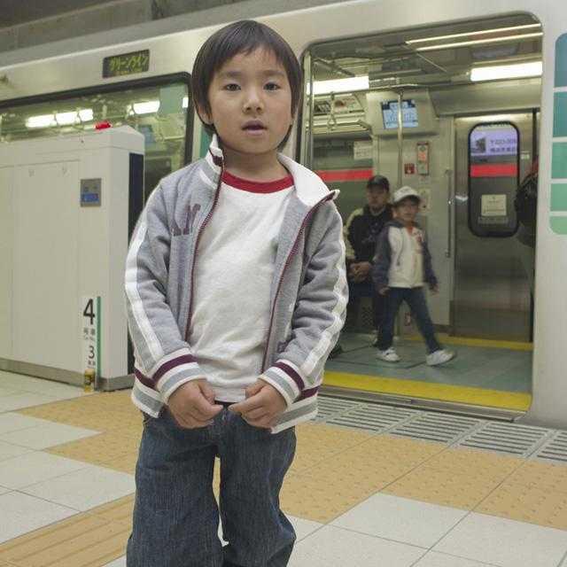 電車で騒ぐ子ども……どうすれば静かにできる?