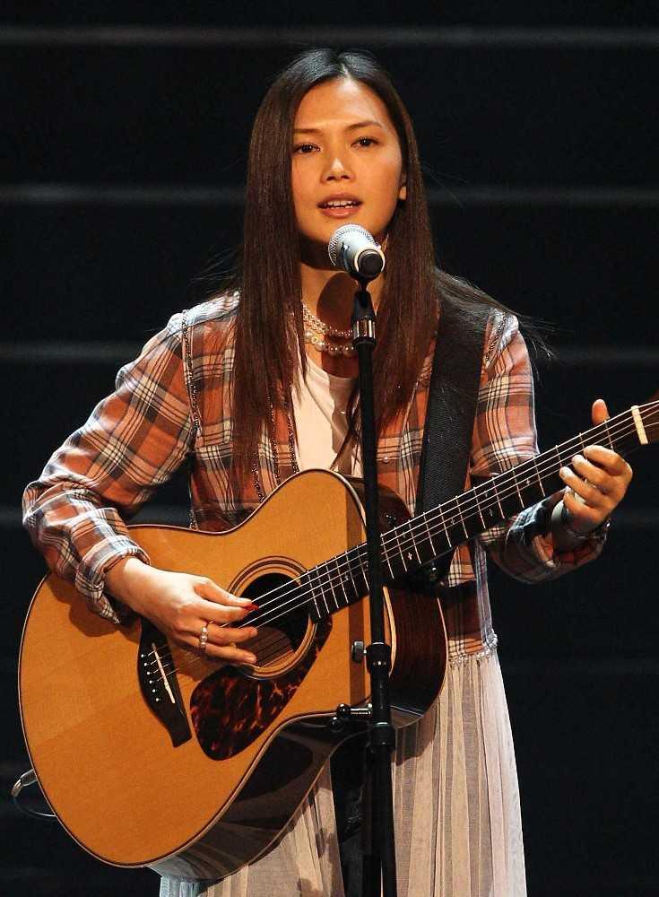 singer songwriter flower flower s vocalist yui got divorced in