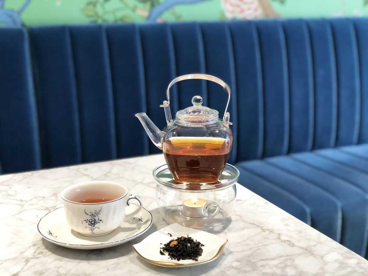 紅茶「シャイニングスター」HOT/1210円、ICE/990円(ともに税込)